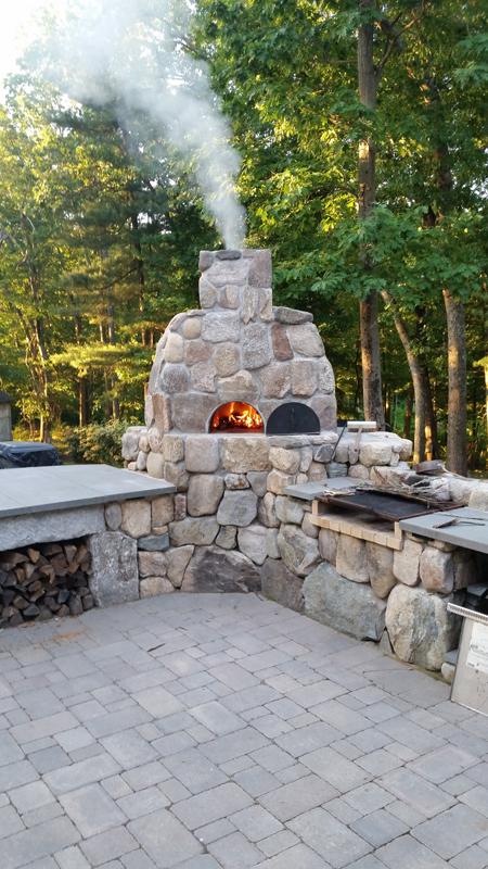 Outdoor Kitchens, Pizza Ovens, Fireplaces & Pergolas