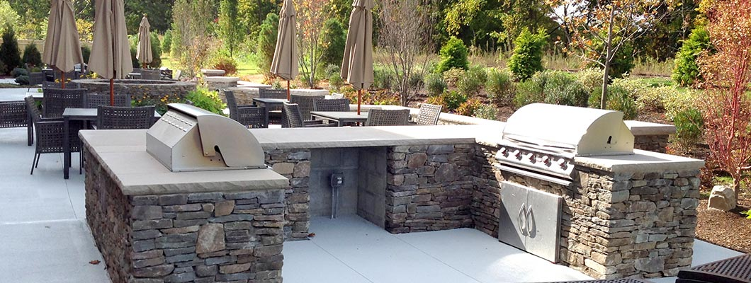 Outdoor Kitchens, Pizza Ovens, Fireplaces & Pergolas